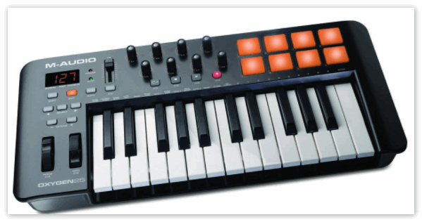 MIDI-клавиатура подключенная к Кубейс